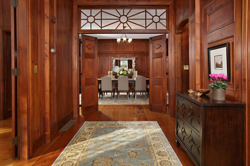 Goddard Ave Foyer